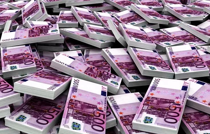 много денег евро
