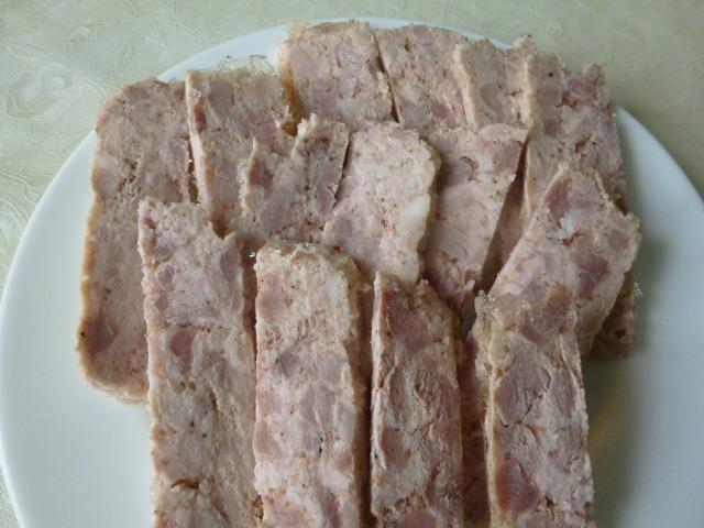 Как приготовить домашнюю ветчину из свинины и курицы