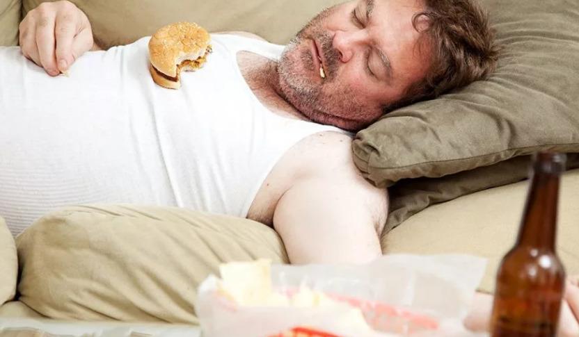 переедание и пиво ведут к ожирению