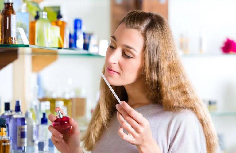 Как выбрать духи для себя женщине