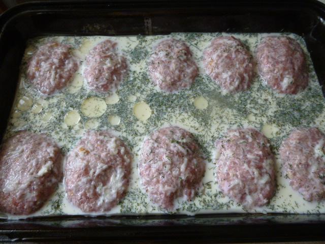 Котлеты в духовке с заливкой фото