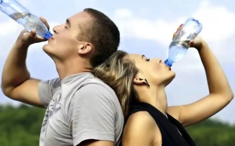 Почему нужно пить много воды?