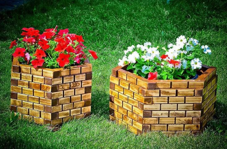 Садовые вазоны из дерева фото