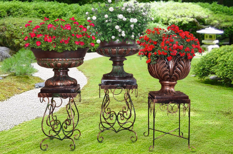 Садовые вазоны из металла фото