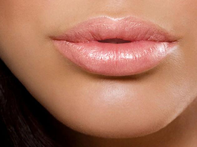 Как увеличить объем губ визуально