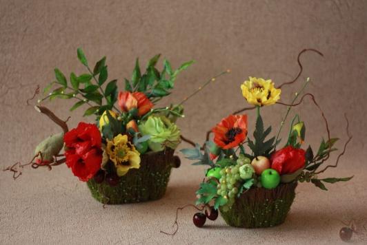 Искусственные цветы в интерьере квартиры