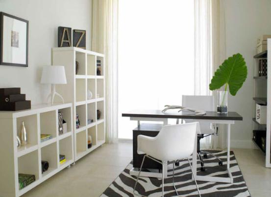 Домашний кабинет в комнате