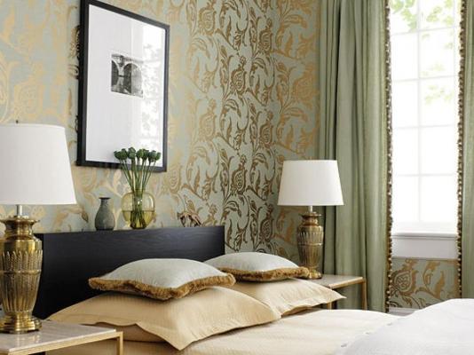 Оливковые шторы в спальне