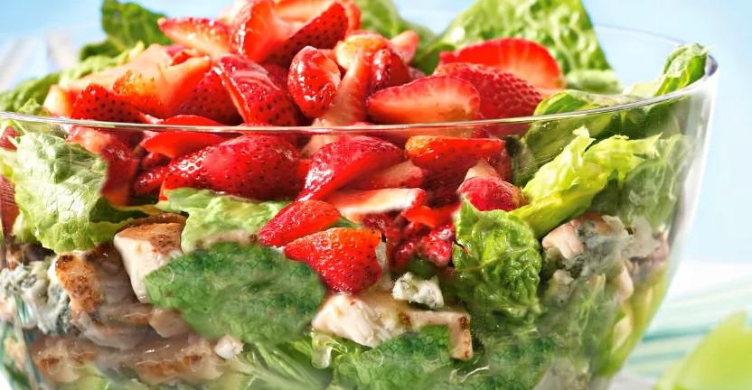 Блюда из клубники салат