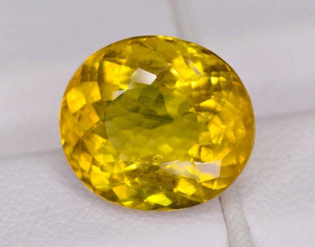 Камень гелиодор фото