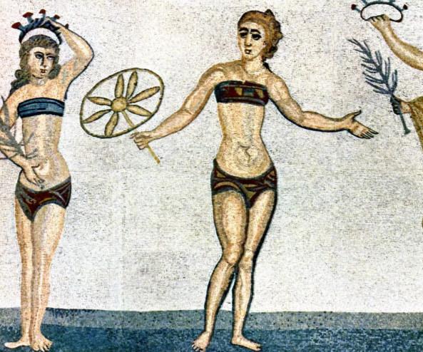 Купальный женский костюм в Древней Греции