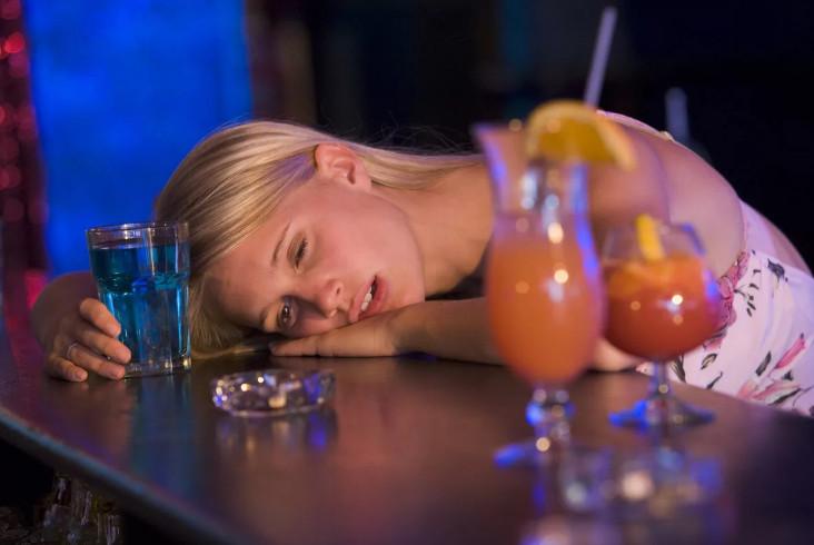 Как вывести из запоя капельница от алкоголя