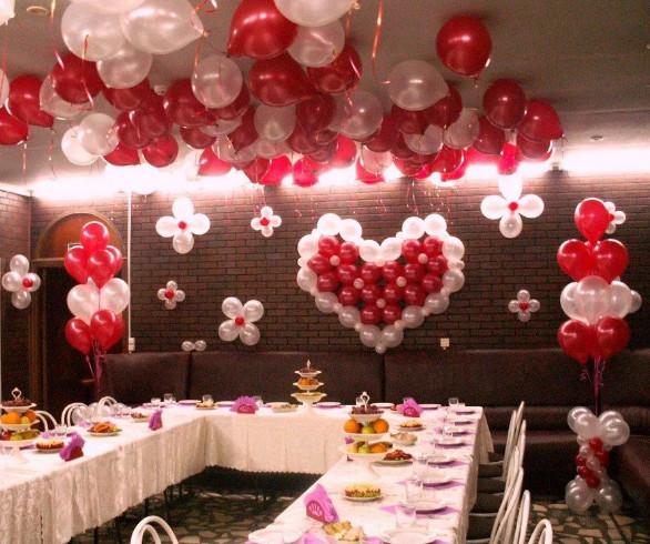 Украшение зала шарами с гелием фото